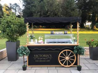 oakley hall weddings ice cream cart