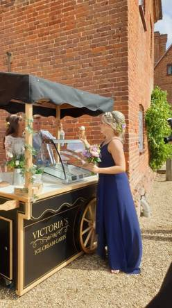 ufton court wedding ice cream cart